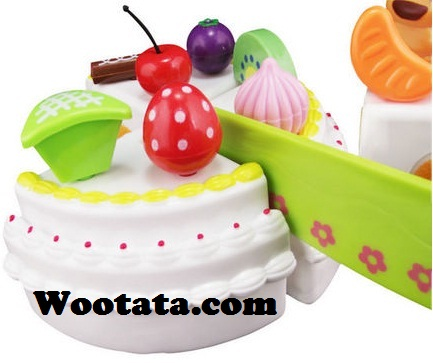 mainan untuk kue ulang tahun